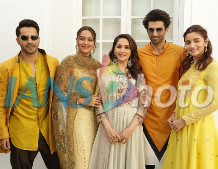 Actors Varun Dhawan, Sonakshi Sinha, Madhuri Dixit, Aditya Roy Kapoor and Alia Bhatt at a photo shoot during the promotions of their upcoming film Kalank in New Delhi, on April 13, 2019. (Photo: (Amlan Paliwal/IANS)