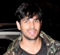 Sidharth Malhotra turns 32, B-Town wishes him more success